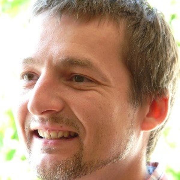 Alex Challis Headshot